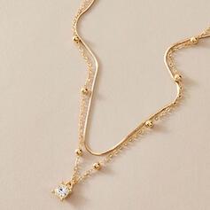 Charmen Romantiskt Legering med Fauxen Pärla Halsband
