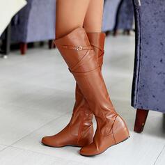 Kvinnor PU Flat Heel Knäkickkängor rund tå med Spänne Solid färg skor