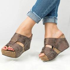 Kvinnor PU Kilklack Kilar med Nita skor