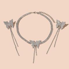 Lysande Fjärilsformade Tofsar Utformning Legering Strass med Fjäril Strass Smycken Sets Halsband örhängen 3 st