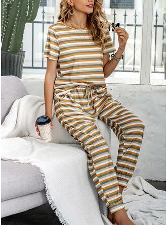 Polyester Rand Rund-ringning Korta ärmar Pyjamasuppsättning