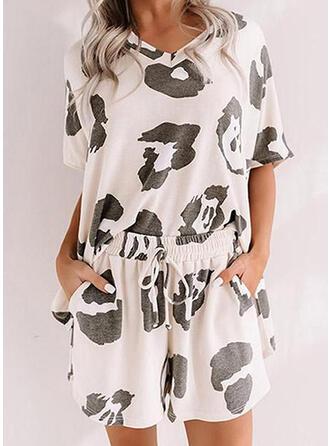 Polyester Elastan Extra stor storlek Rund-ringning Korta ärmar Leopard Pyjamasuppsättning